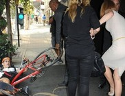 Biciklis gázolta el Nicole Kidmant