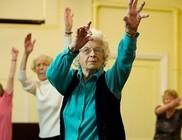 93 éves fitnesztanár dédnagymama