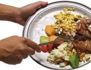 Sokan éheznek, de mégis ezertonnányi élelmiszer kerül a kukába