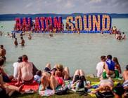 Teltház és világsztárok a Soundon