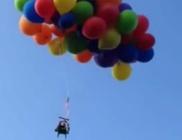 120 héliumos lufival emelkedett a magasba