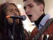 Aerosmithet énekelt az énekes az utcazenésszel - nézd meg