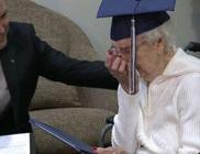 97 évesen kapta meg érettségi bizonyítványát az idős hölgy