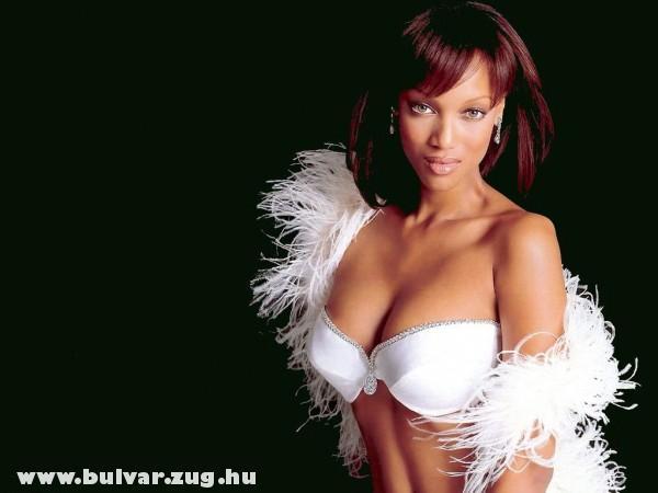 Tyra Banks szellõs cuccban