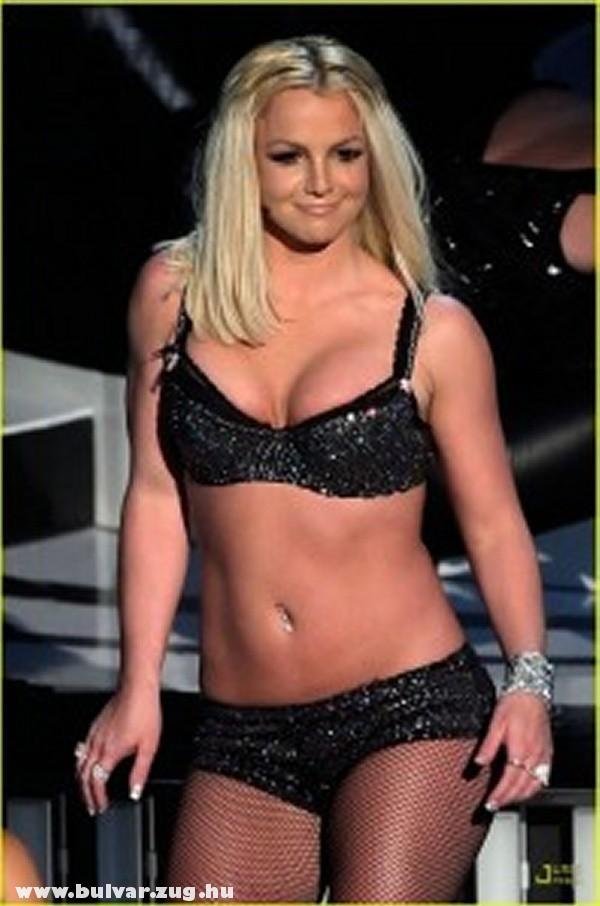 Britney Spears fürdõruciban