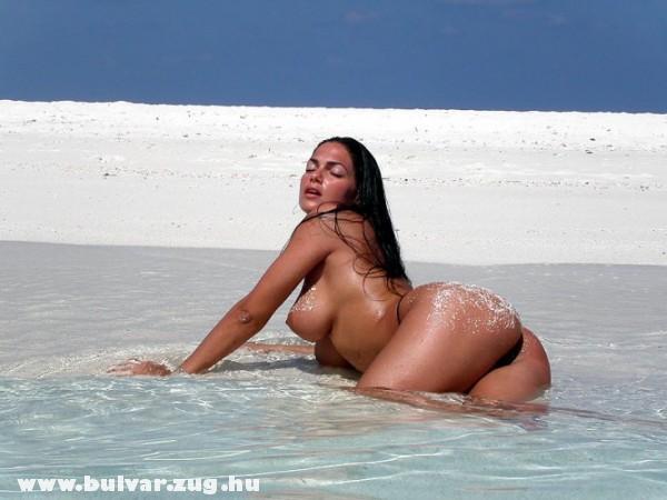 Bódi szilvi vízparton