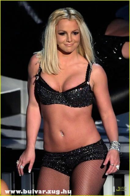 Britney Spears fehérnemûben