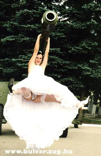 A menyasszonynak , csõre feeel...