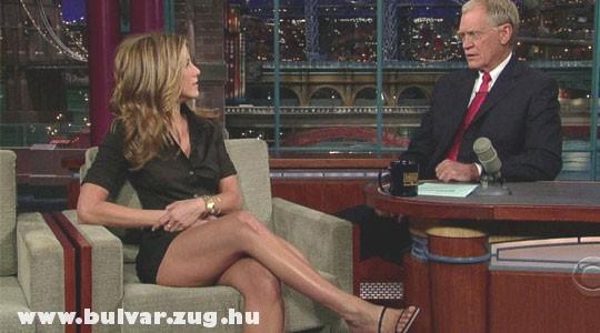Jennifer Aniston combjai