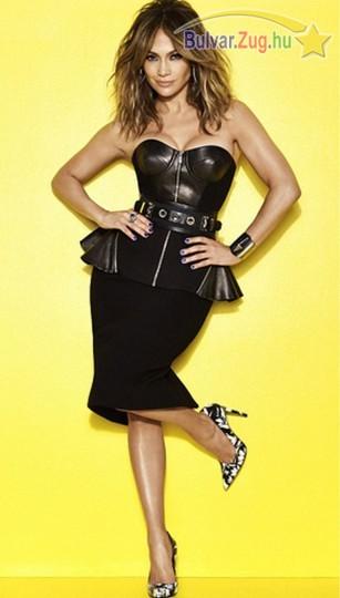 Bőr ruhában feszített Jennifer Lopez
