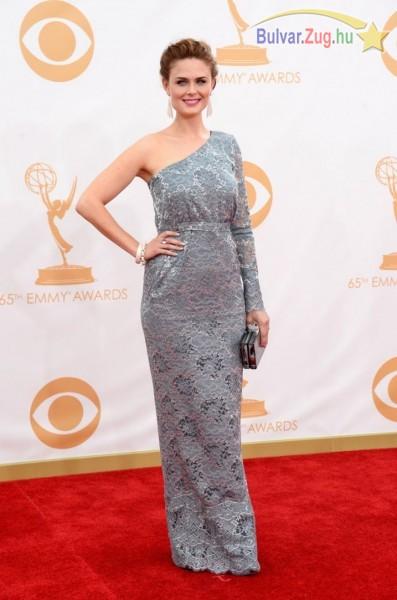 Emily Deschanel az Emmy gálán