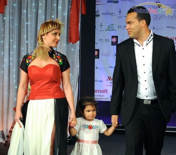 Gombos Edina és családja