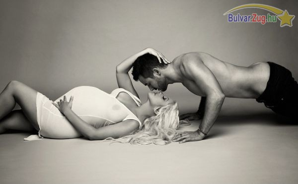 Hatalmas pocakkal domborít Christina Aguilera
