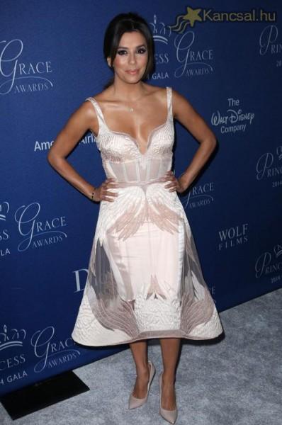 Így jelent meg Eva Longoria a The Princess Grace díjkiosztó gálán