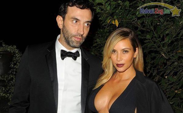 Kim Kardashian nem egy szégyenlős ember