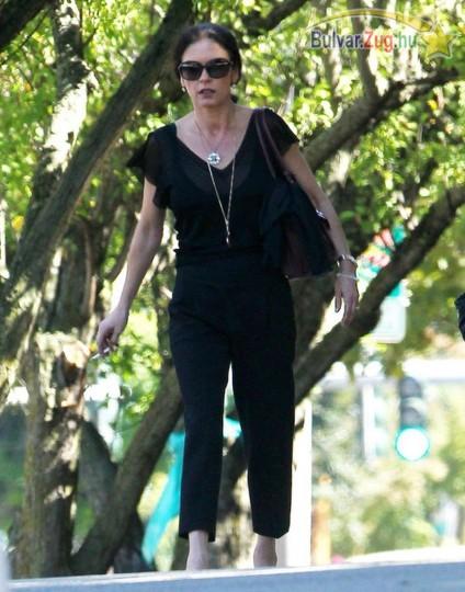 Megviselte a válás Catherine Zeta-Jonest.