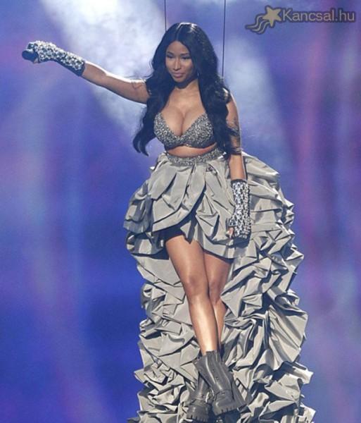 Nicki Minaj nem éppen visszafogott ruhát viselt az MTV EMA-n