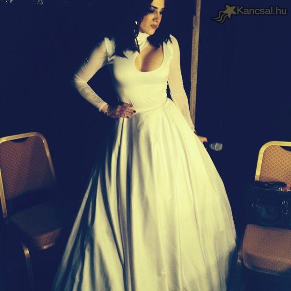Tóth Gabi menyasszonyként