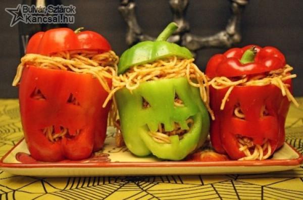Halloweeni paprika töltve