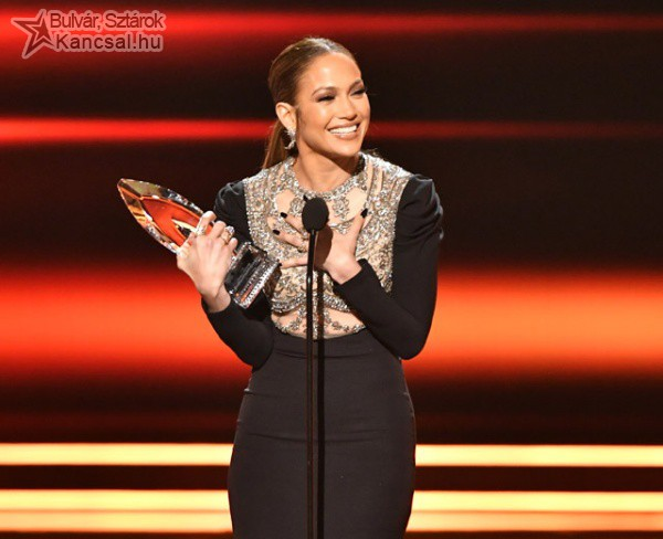 Jennifer Lopez a People's Choice Awards díjátadón