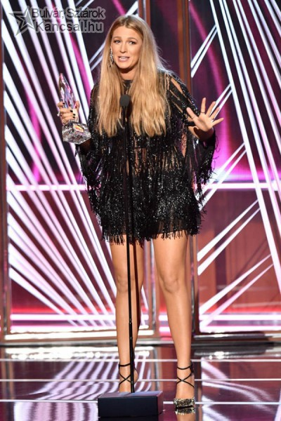 Blake Lively a People's Choice Awards díjátadó gálán