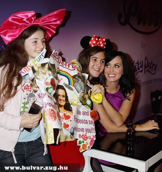 Katy Perry rajongóival