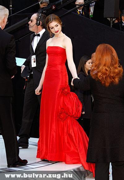 Oscar 2011: Anne Hathaway