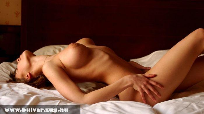 Darina az ágyban