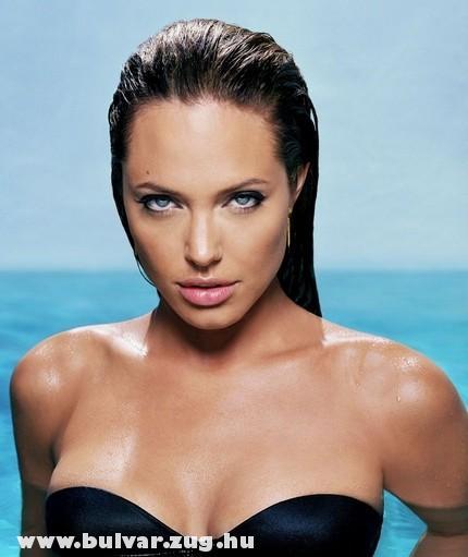 Angelina a bombázó