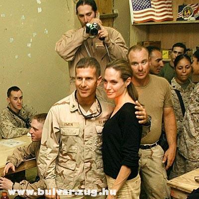 Jolie és a katonák