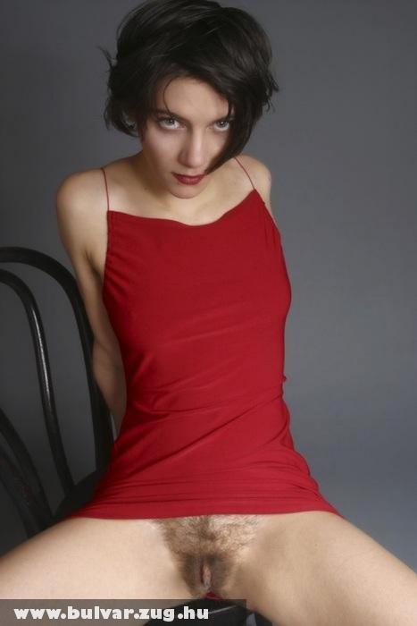 Piroska bundában