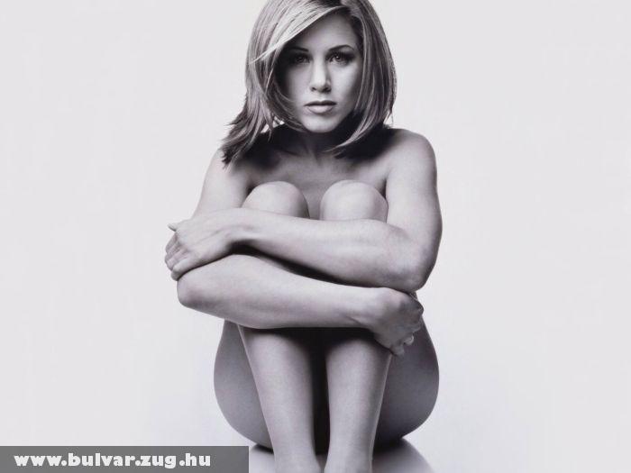 Jennifer Aniston ruha nélkül