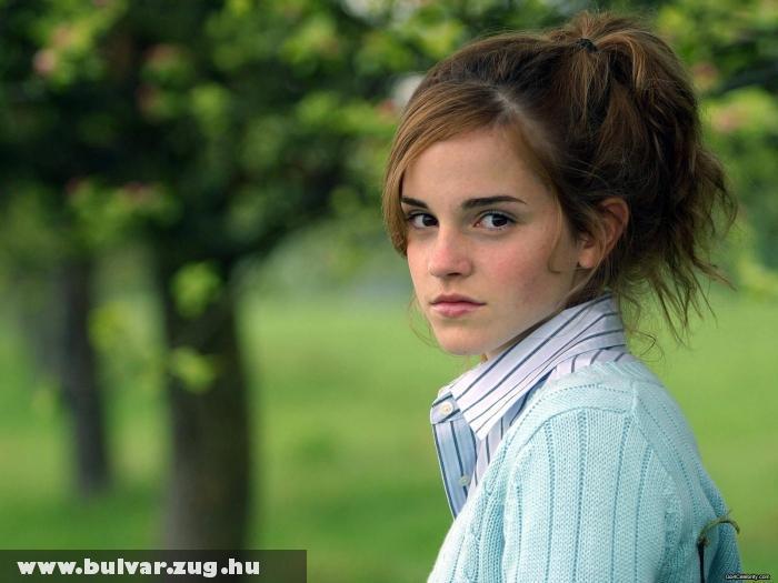 Emma Watson a szabadban