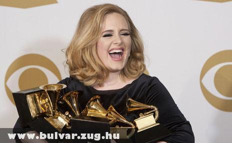 Adele 6 Grammy díjjal a kezében