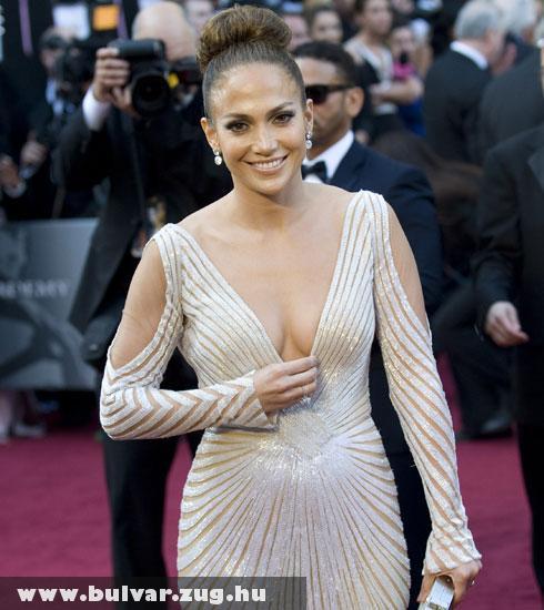 Jennifer Lopez melle majdnem nem maradt  a helyén