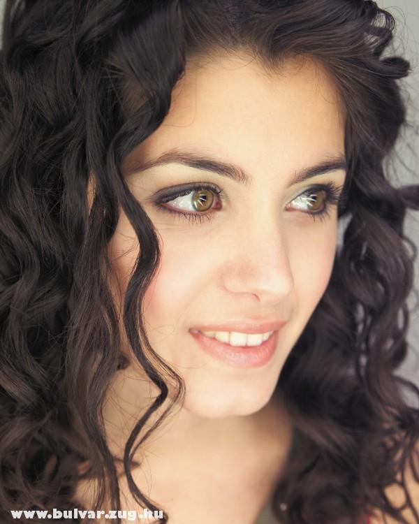 A bájos Katie Melua