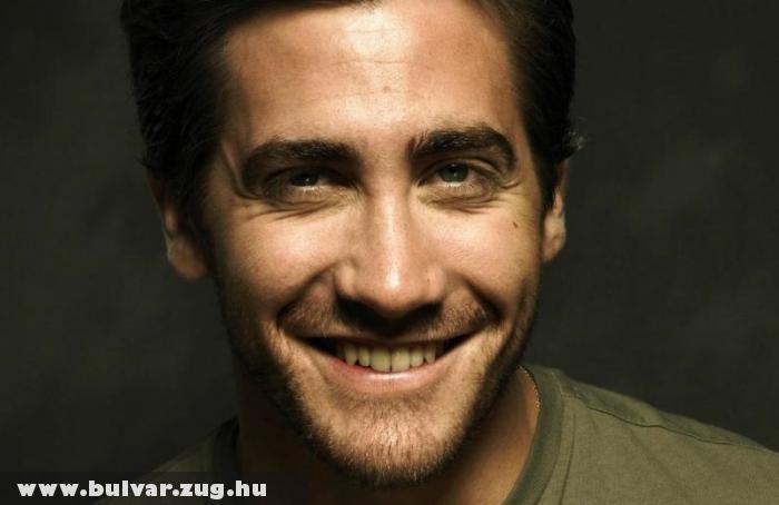 Jake Gyllenhaal szupermodellel randizik