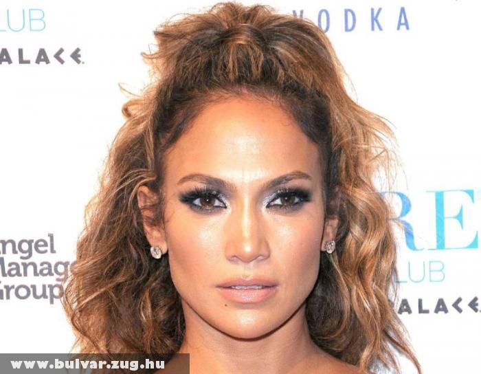 Jennifer Lopez megtiltotta férjének, hogy barátnõjével gyerekei elõtt csókolózzon