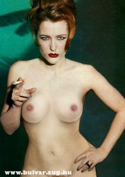 Gillian Anderson pucéran!