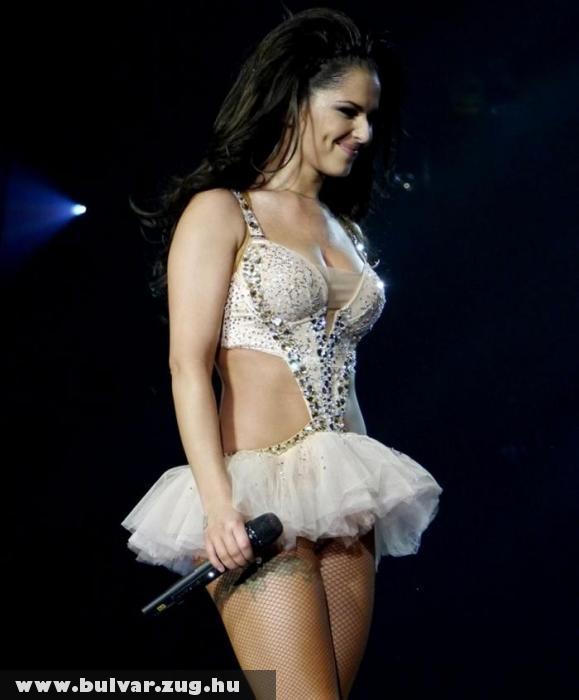 Cheryl Cole nem sokat takart magából