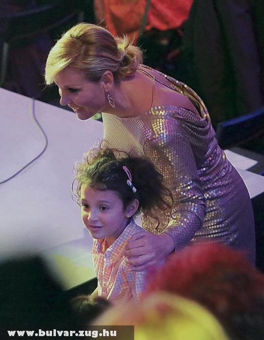 Cluadia és kislány a Nagy Duettben