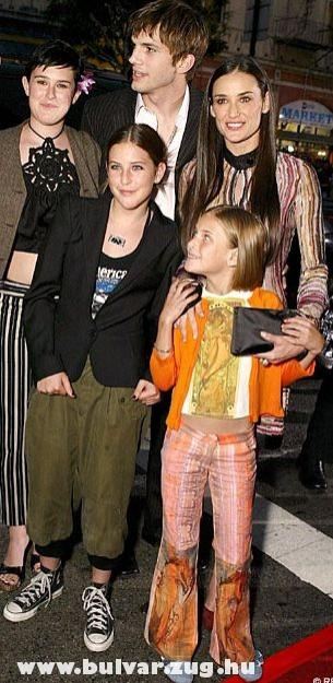 Demi Moore és a család