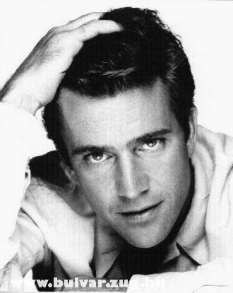 Mel Gibson fiatalon