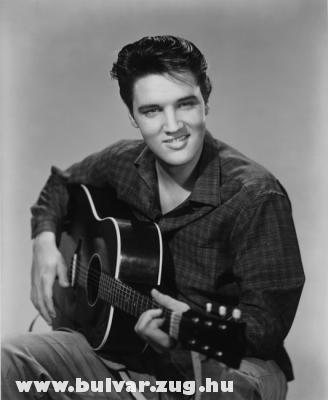 Elvis él, és mindig is élt - vagy mi!