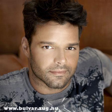 Ricky Martin fiatlon