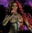 Beyoncé sokat sejtető fellépőruhában adott koncertet