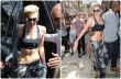 Lenge öltözetben járja New York utcáit Miley Cyrus