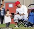 David Beckham és lánya egy focimeccsen