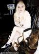 24 karátos tolókocsit használ Lady Gaga