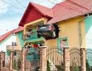 Összetört Audit épített a háza falába egy román férfi